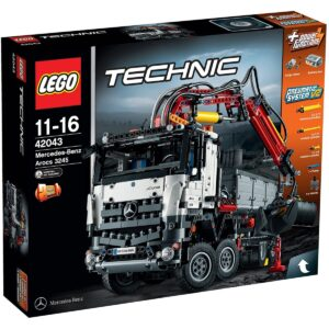 LEGO Technic 42043 - Mercedes-Benz Arocs 3245 1/3